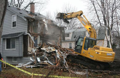HOUSE & BUILDING DEMOLITION SERVICE
